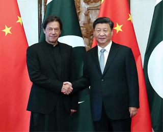 習近平分別會見巴基斯坦總理 伊姆蘭·汗、所羅門群島總理索加瓦雷