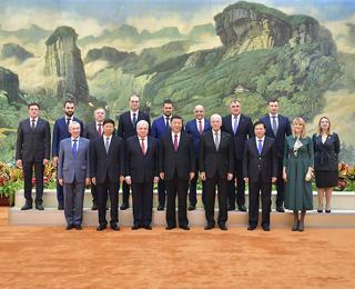 習近平會見統一俄羅斯黨代表團