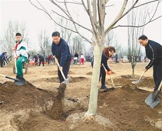 习近平:像对待生命一样对待生态环境 让祖国大地不断绿起来美起来